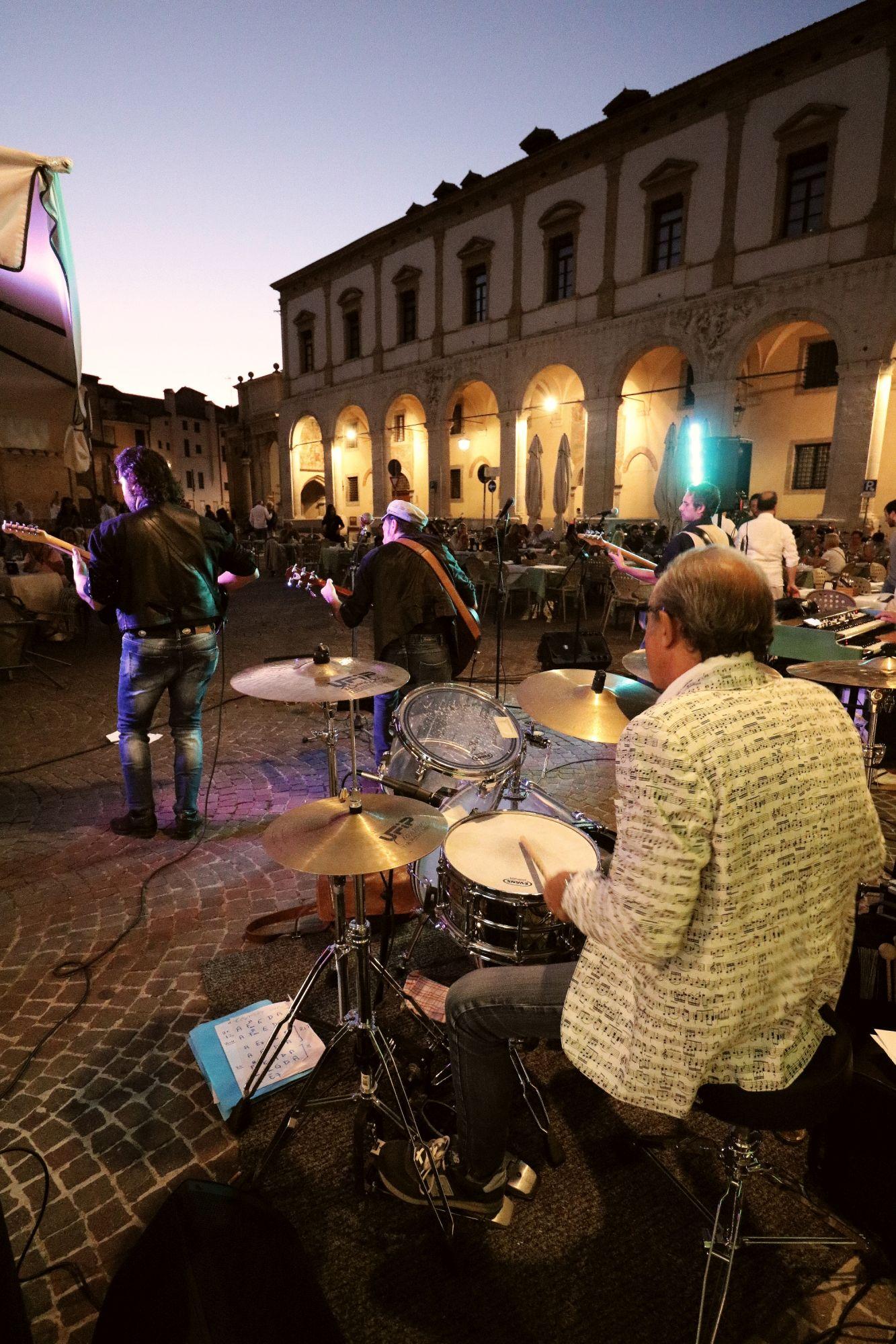 Lisa Manara & IVO Live In Padova 2019